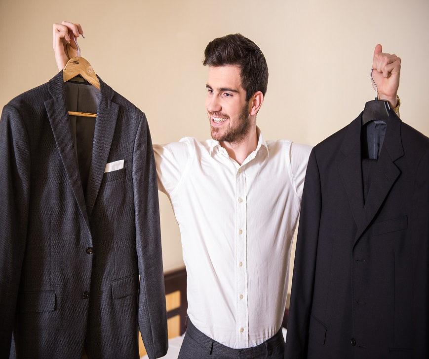 "vCandidates.com - The old adage, ""dress for success,"" applies to the job interviewing process."